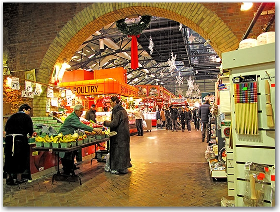 seafront fish market, st. lawrence market, front street hall, shopping, shoppers, fishmonger, toronto, city, life