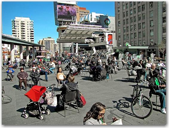 sun tanning, relaxing, sunning, yonge-dundas square, yds, toronto, city, life