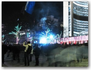 standing very still @ Nathan Phillips Square