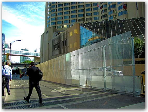lower simcoe street, front street, convention centre, g20, security, perimeter, fence, toronto, city, life