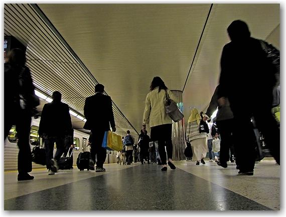 bloor station, subway, underground, ttc, toronto transit commission, toronto, city, life