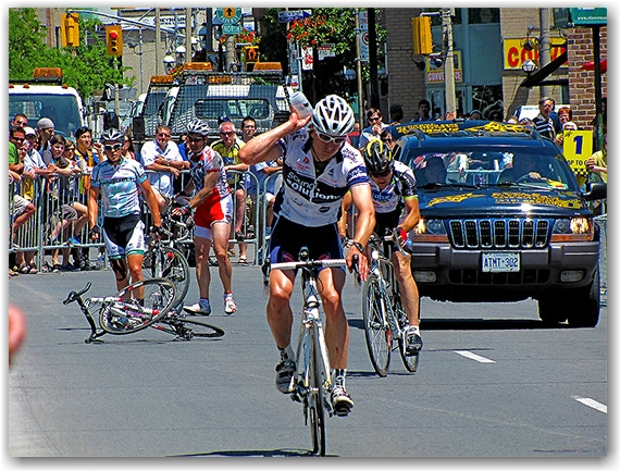 criterium, accident, collission, road, race, street, bicycle, biking, cycles, cyclists, bicycling, riding, competition, 2010, front street, toronto, city, life