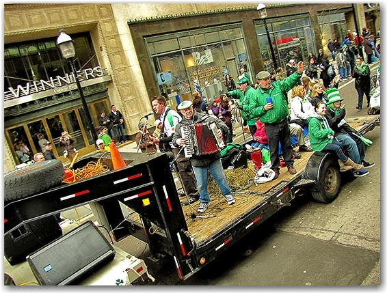 st. patrick's day parade, live irish band, celtic, yonge street, toronto, city, life