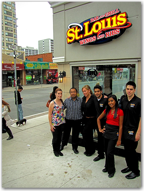 yonge street, st. louis, food, wings, ribs, toronto, city, life, blog