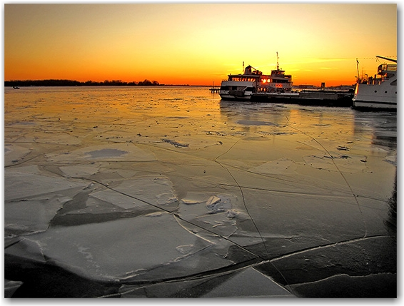 boat, docks, ice, lake ontario, january, winter, toronto, city, life