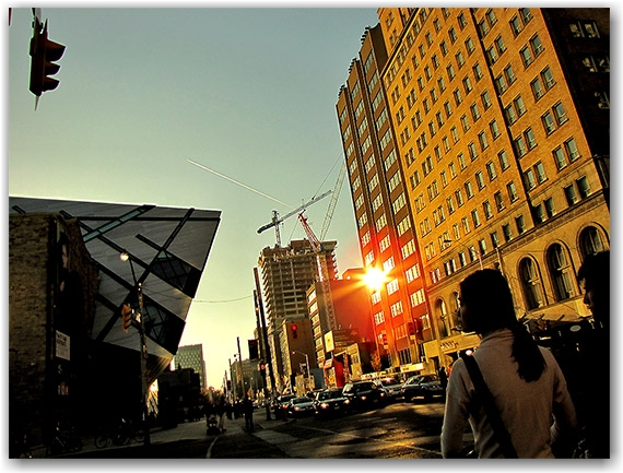 rom, royal ontario museum, addition, bloor street west, queen's park, avenue road, sunlight, buildings, construction, toronto, city, life