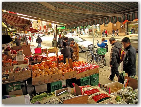 fruit market, chinatown, dundas street west, toronto, city, life