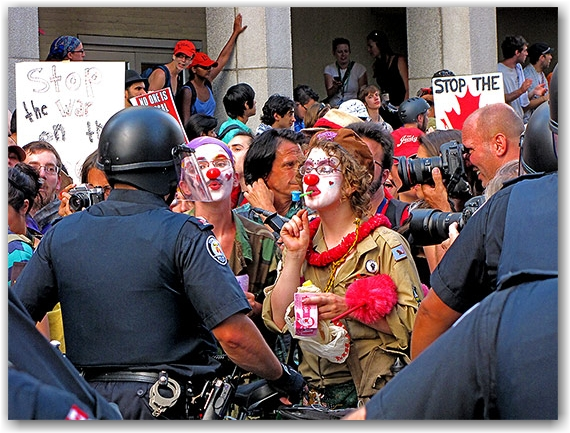 police, clowns, g20, protests, protesters, ocap, elm street, toronto, city, life