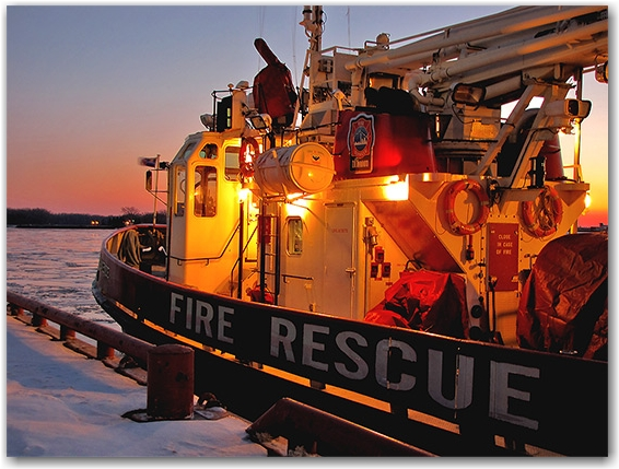 fire rescue boat, winter, ice, lake ontario, lakeshore, waterfront, toronto, city, life