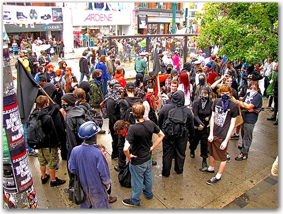 black bloc, vandals, protesters, rioters, queen street west, g20, toronto, city, life