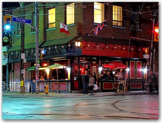 village idiot pub, mccaul, dundas, street, intersection, toronto, city, life