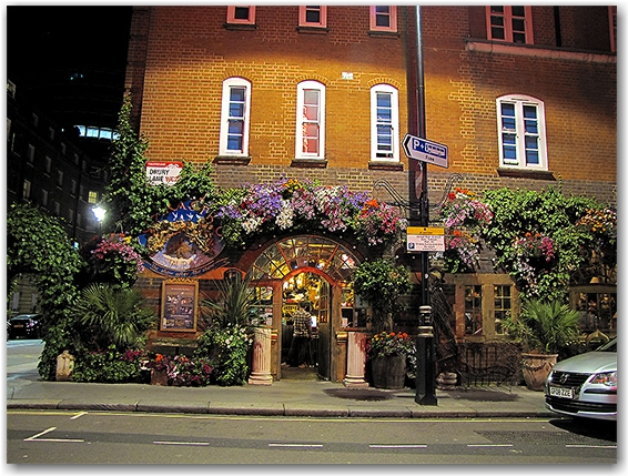 A Drury Lane pub. More beer!