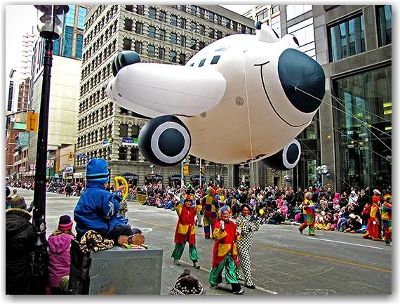 santa claus parade, 2010, airplane, float, yonge street, marching band, christmas, toronto, city, life
