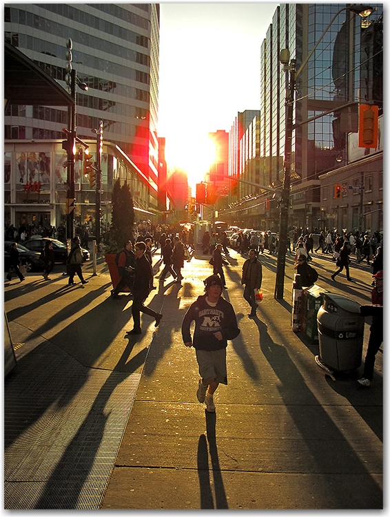 yonge-dundas square, street corner, late afternoon, toronto, city, life