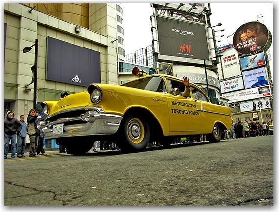 old police car, toronto police, st. patrick's day parade, yonge street, dundas street, toronto, city, life