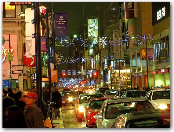 illuminite, 2009, yonge dundas square, yds, yonge street, dundas street, eaton centre, christmas, holidays, seasonal, events, crowd, group, presentation, celebration, lighting, ceremony, decorations, performance, toronto, city, life