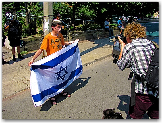 israeli supporter, jew, carlton street, allan gardens, g20, protests, toronto, city, life