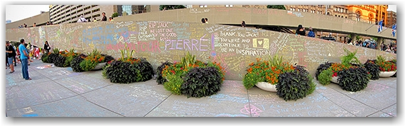 jack layton, memorial, city hall, nathan phillips square, toronto, city, life, blog
