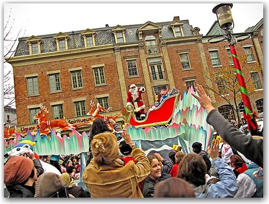 santa claus parade, 2009, yonge street, dundas street, university avenue, christmas, seasonal, holiday, parade, crowd, people, children, floats, toronto, city, life