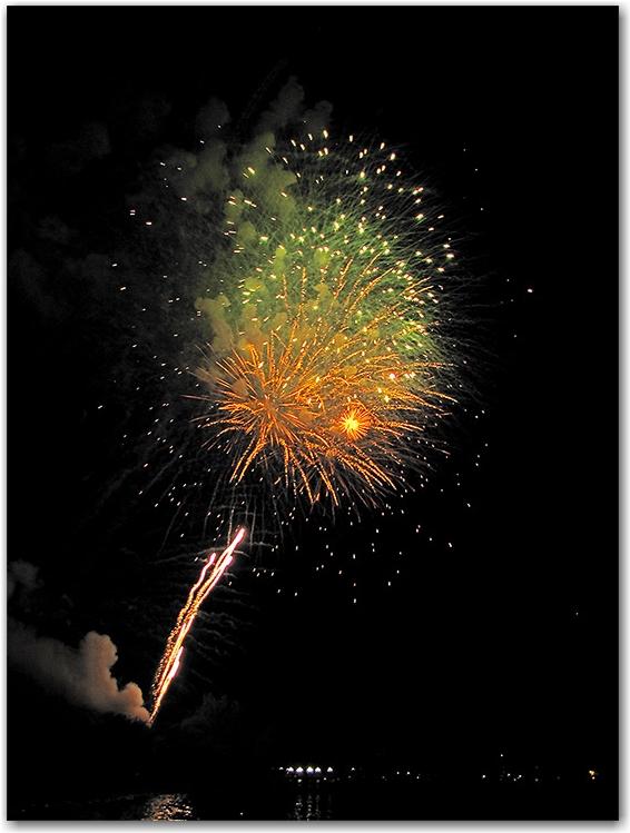 fireworks, victoria day, celebrations, ashbridge's bay, park, beach, lake ontario, toronto, city, life