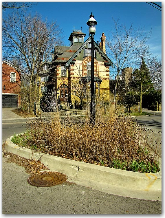 rosedale, roundabout, intersection, historic house, toronto, city, life