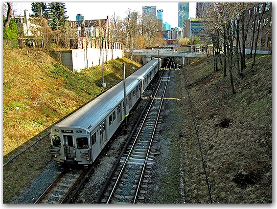 yonge, subway, trains, ttc, toronto transit commission, underground, toronto, city, life