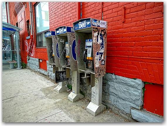 Public phones, Beverley and Dundas