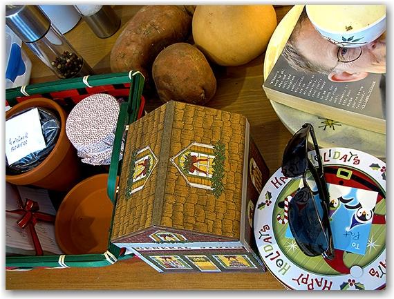 christmas cookies, kitchen table, toronto, city, life, blog
