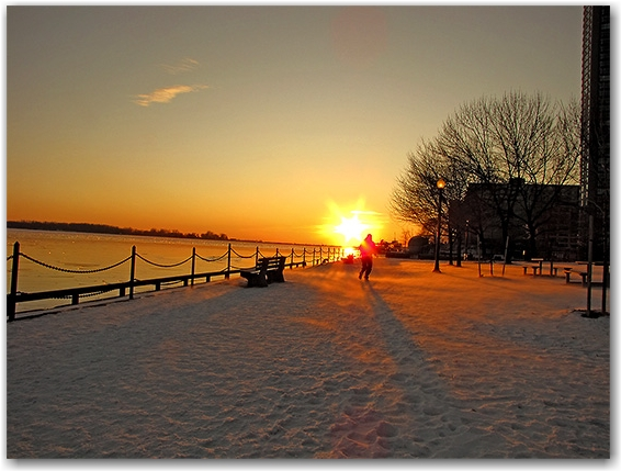 jogger, running, winter, january, docks, lakeshore, lake ontario, ice, snow, sunset, toronto, city, life