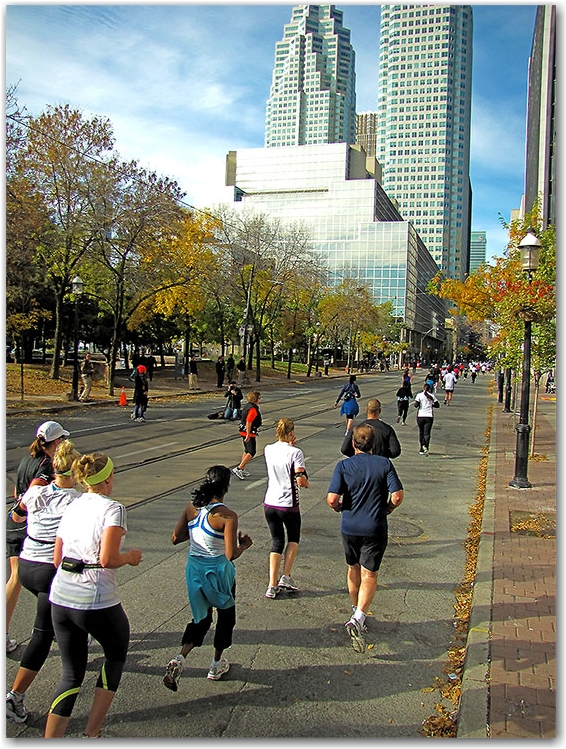 marathon, goodlife fitness, 2010, toronto, city, life