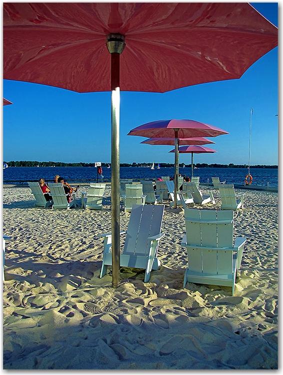sugar beach, jarvis street, toronto, city, life