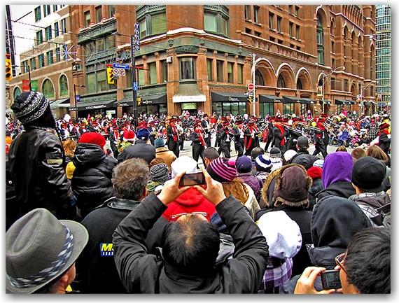 santa claus parade, 2010, yonge street, marching band, christmas, toronto, city, life