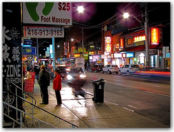 chinatown, dundas street west, toronto, city, life