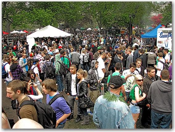vendors, crowd, global marijuana march, freedom festival, queen's park, toronto, city, life