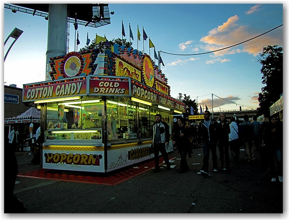 popcorn stand, candy concession, cne, canadian national exhibition, toronto, city, life