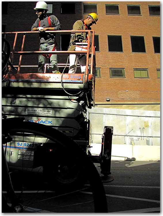 cherry picker, g20, security, perimeter, fencing, fence, lower simcoe street, toronto, city, life