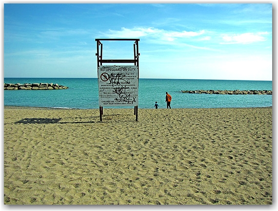 balmy beach, the beach, neighbourhood, neighborhood, district, queen street east, toronto, city, life