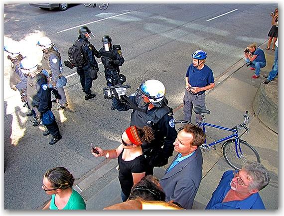montreal riot police, video recording, g20, protests, university avenue, toronto, city, life