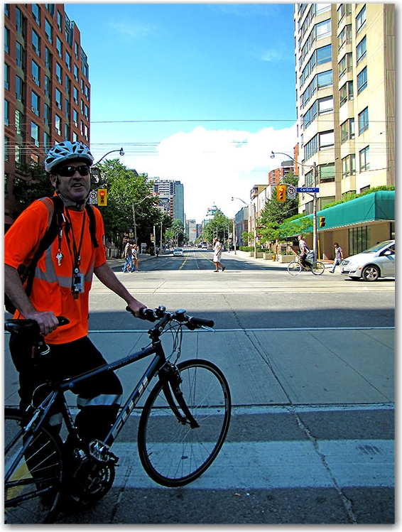jarvis street, cyclists, bicyclists, bike lanes, toronto, city, life