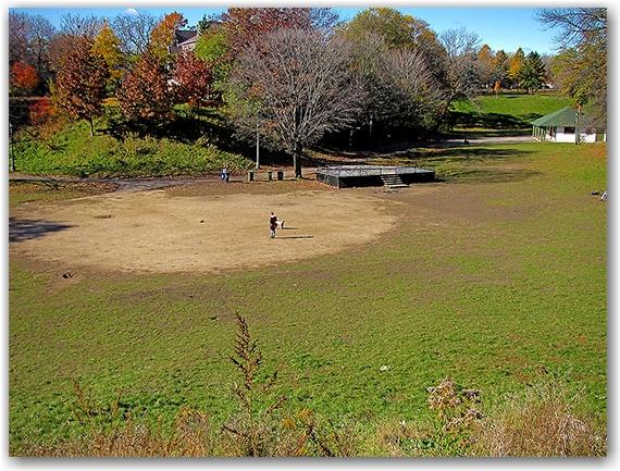 trinity-bellwoods park, pit, stage, toronto, city, life