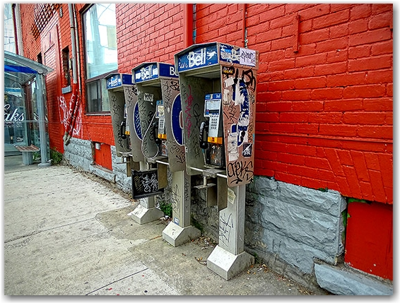 Public phones, Beverley and Dundas