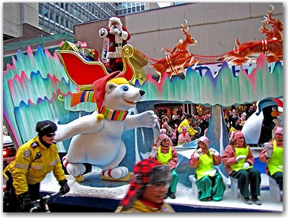 santa claus parade, 2010, float, yonge street, christmas, toronto, city, life
