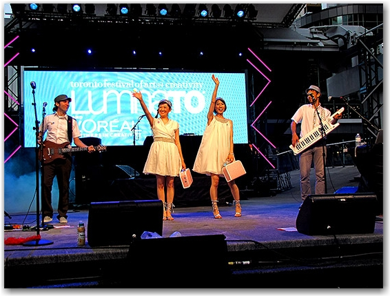 the moist towelettes, luminato, 2010, performers, japanese pop, yonge-dundas square, yds, stage, toronto, city, life