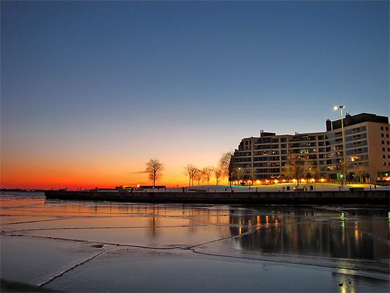 ice, winter, lake ontario, waterfront, lakeshore, toronto, city, life