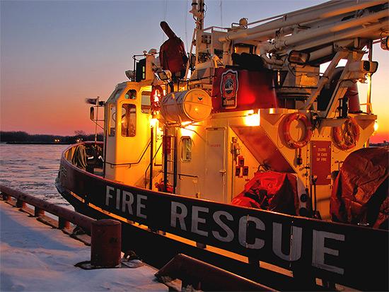 fire rescue boat, winter, ice, lake ontario, lakeshore, waterfront, toronto, city, life