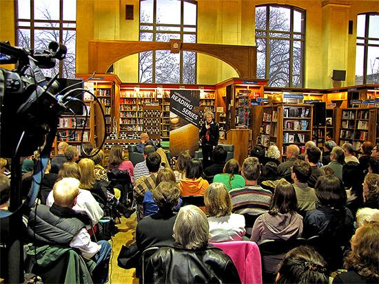 environment, eaarth, book signing, bill mckibben, margaret atwood, reading series, uot bookstore, toronto, city, life