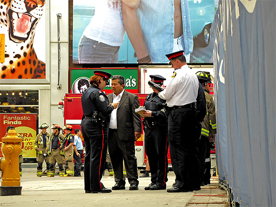 officials, fire, safety, police, ambulance, meeting, statement, collapsed wall, yonge, gould, street, ryerson university, toronto, city, life