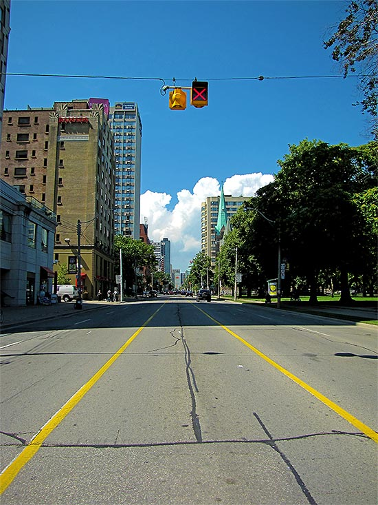 jarvis street, bike lane, center lane, toronto, city, life