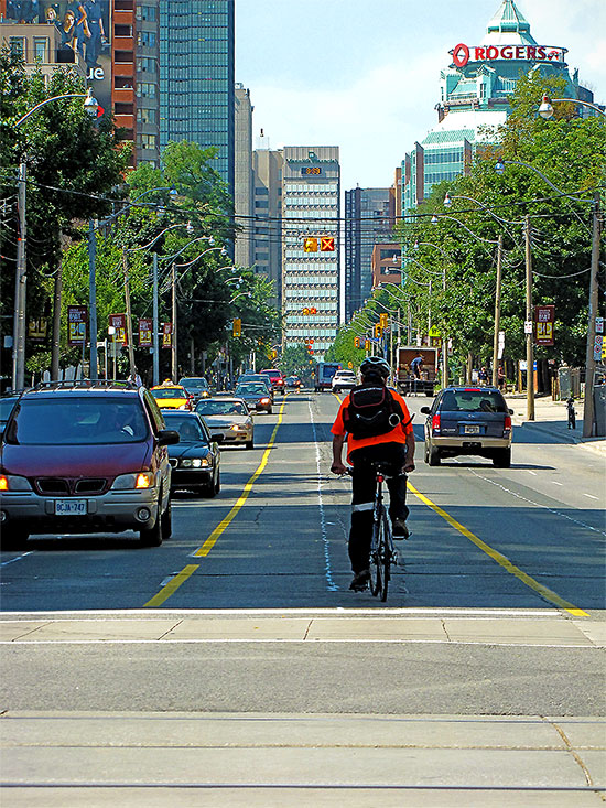 bike lane, center lane, jarvis street, toronto, city, life