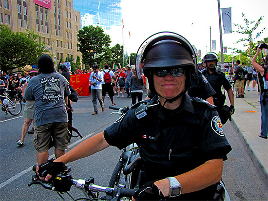 police, g20, protests, protesters, university avenue, ocap, toronto, city, life
